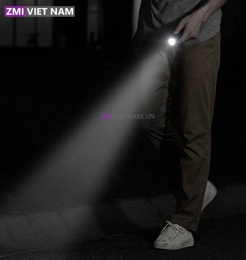 Đèn Pin Kiêm Sạc Dự Phòng 5000mAh ZMI LPB02